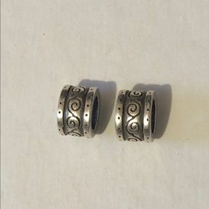 🆕Listing! two Brighton etched spacers
